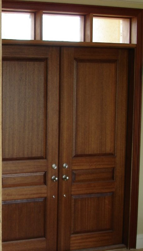 Art faux wall designs a walnut wood grain trompe l oeil door for Faux wood doors