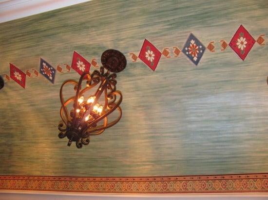 Ceiling border design