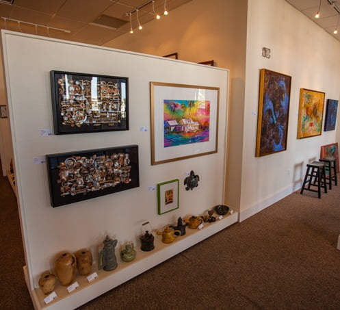 Marco Island Fl. Fine Art Artists Gallery two dimensional 2D and 3D 239 784 4436